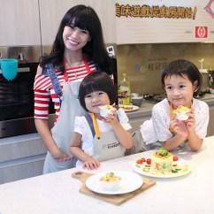 Kid Kraft Play Kitchen Costco Aid 廚房 訓練孩子手眼協調最佳場所 親子樂廚一起來下廚 結婚 幸福 痞