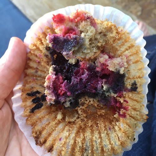 Love the psychedelic colours that emerge in these @signesjohansen Queen Maud muffins