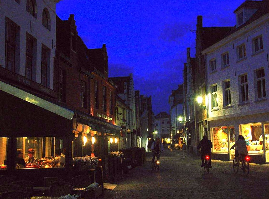 Brugge after twilight is romantic
