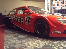 Boby Fernández le brinda los últimos detalles al súper V8