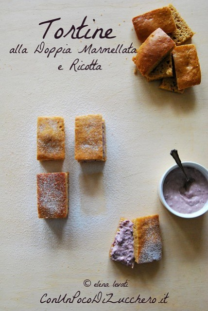 Tortine alla doppia marmellata e ricotta - Double jam mini cakes
