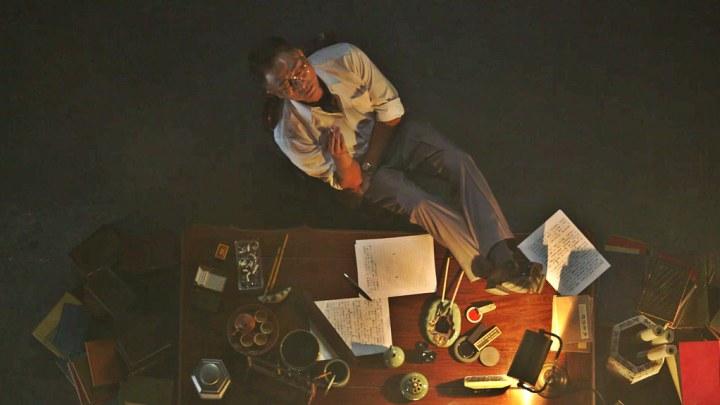 Imagining Evan Yang at his writing desk.