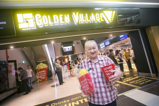 This uncle was the first in line at GV Tampines on April 20! Congrats uncle!