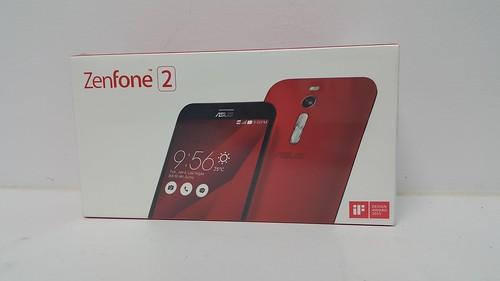 กล่องของ ASUS Zenfone 2