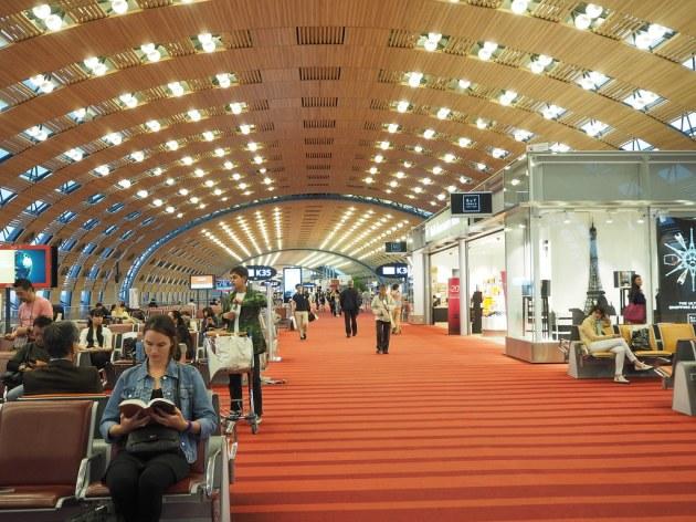シャルルドゴール空港Kコンコース