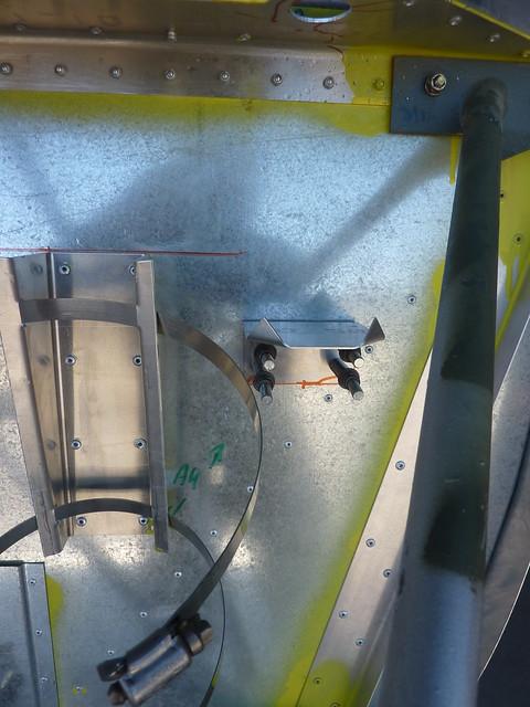 Drilling bottle bracket