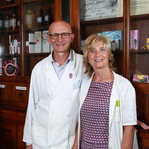 Lo staff della Farmacia Fanchiotti di Viale Giulio Cesare a Novara