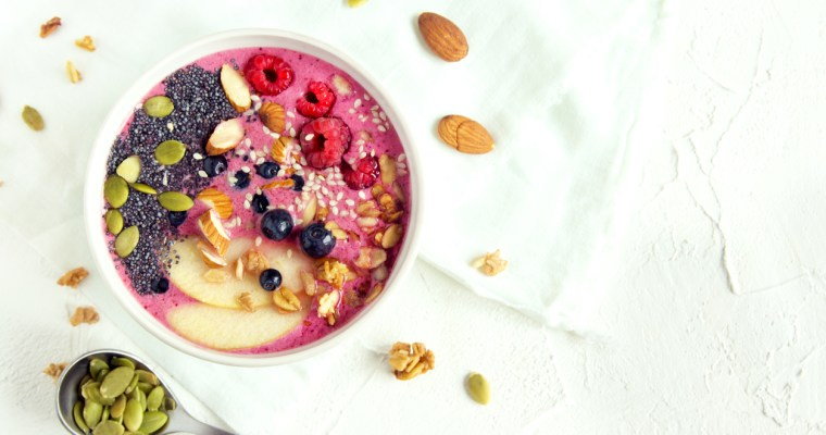 Very Berry Almond Smoothie Bowl