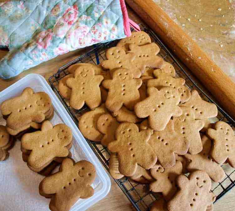 Sweet Gingerbread Men - a perfect homemade holiday treat