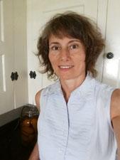 Image of Farmer Street Pantry owner Lynne Della Pelle in her kitchen