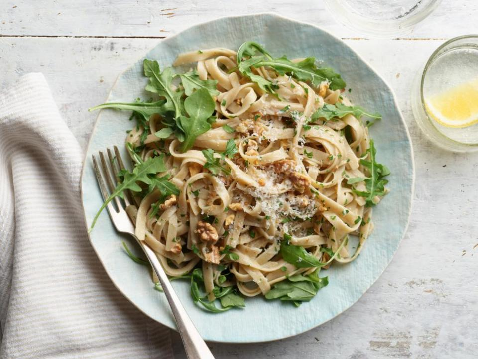 Fettuccini with Walnuts and Parsley