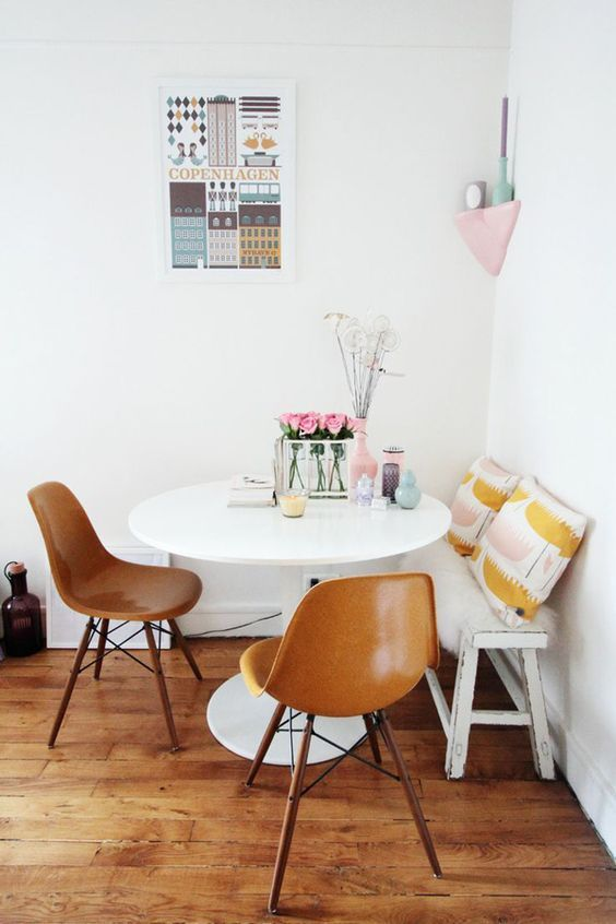 Breakfast Nook For Small Spaces