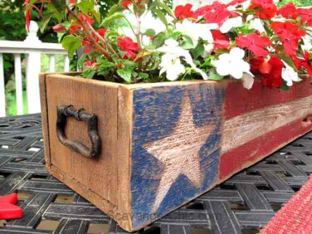 Patriotic Pallet Wood Planter