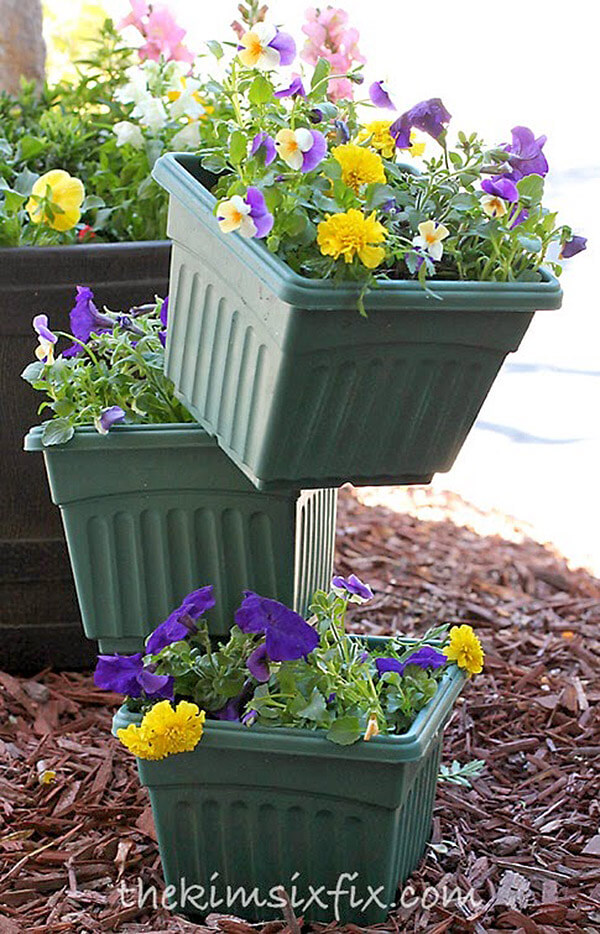 DIY Flower Tower Ideas: How'd They Do That? Balanced Planters