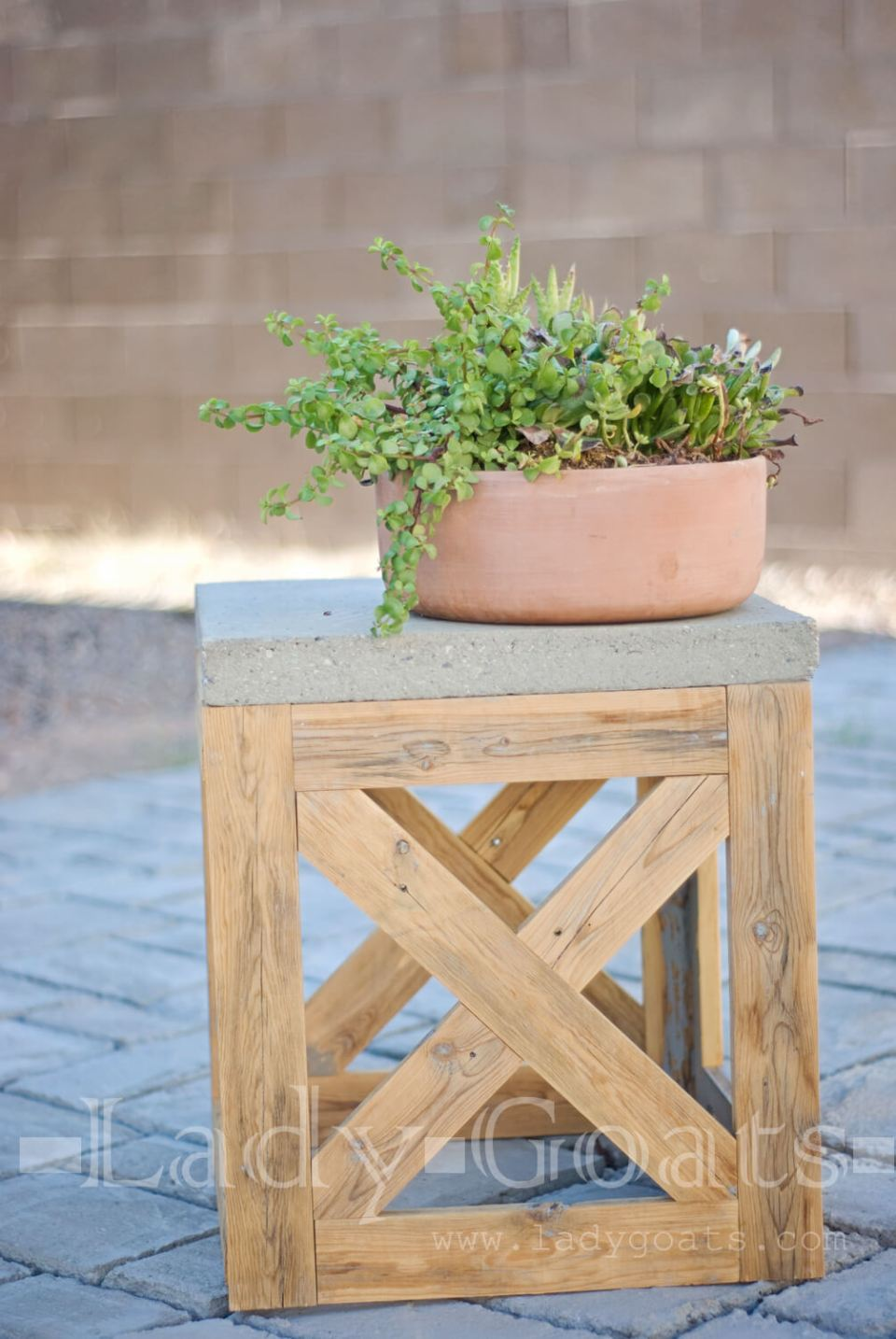 DIY Outdoor Furniture Projects: Reclaimed Wooden X-Stool and Side Table
