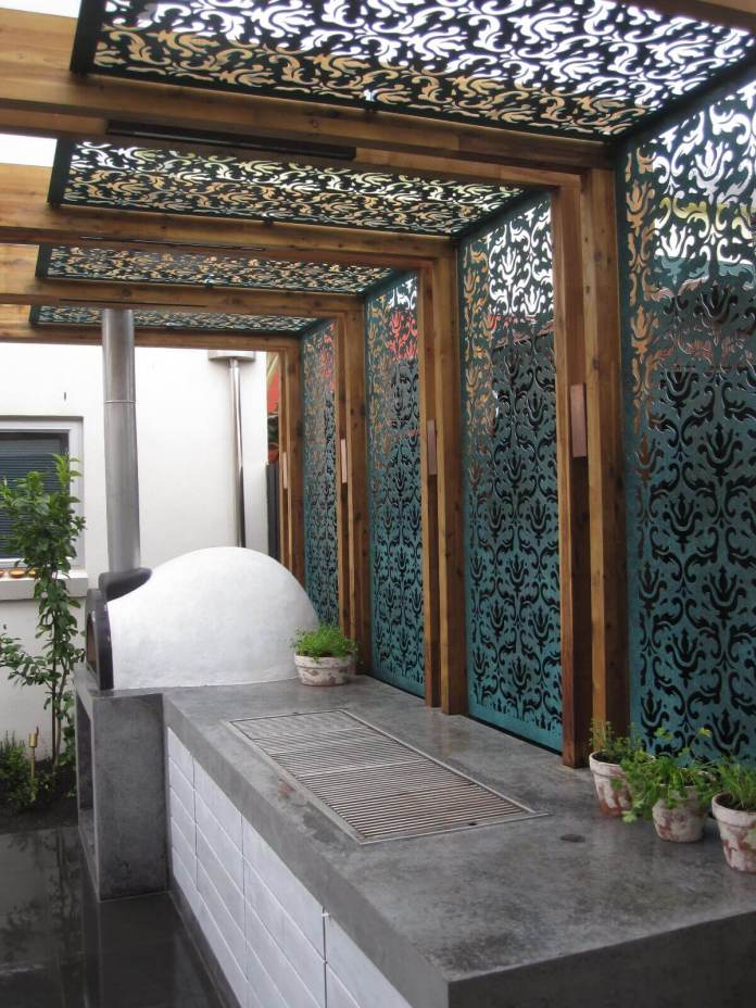 DIY Pergola Ideas: Mediterranean Screen Style Pergola