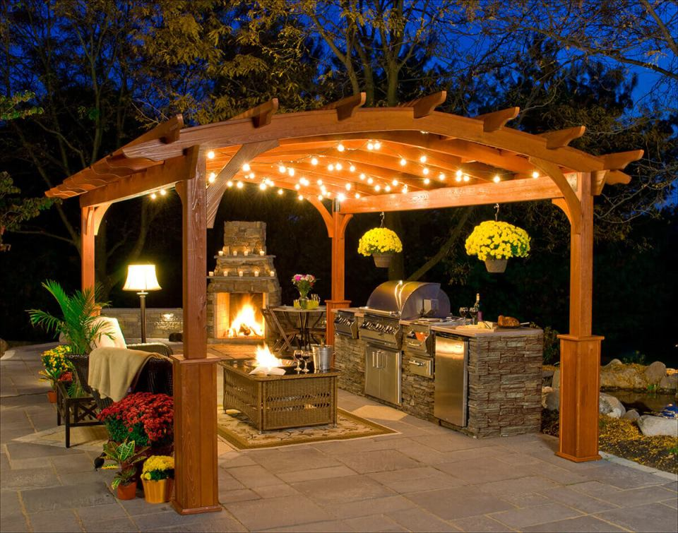 DIY Pergola Ideas: Northeastern Pagoda Style Freestanding Pergola