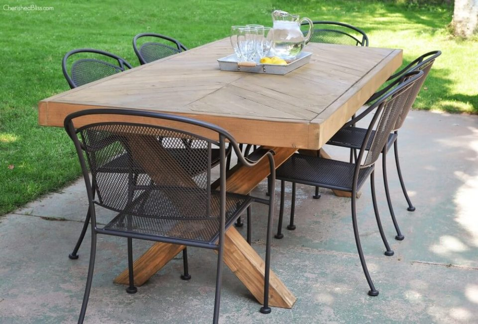 DIY Outdoor Furniture Projects: Deck-To-Dining Room Wooden Table