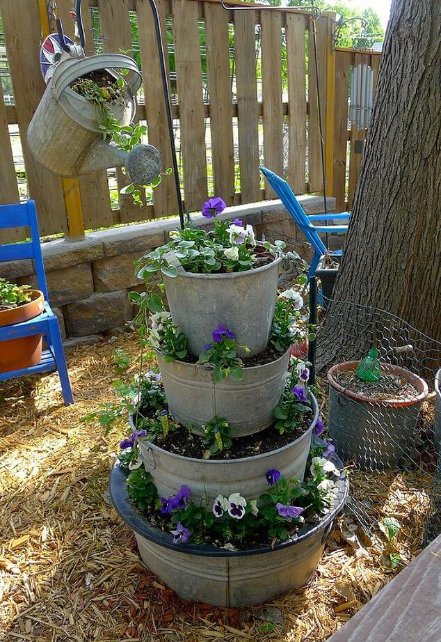 DIY Flower Towers Ideas: Watering Can Waterfall Flower Tower