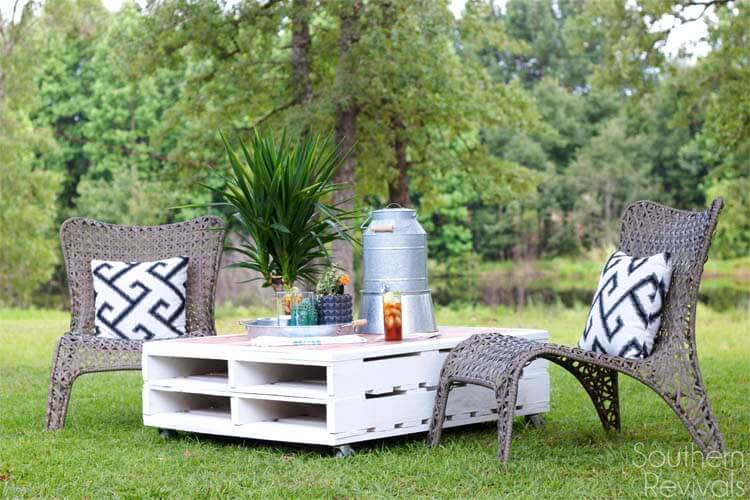 DIY Outdoor Furniture Projects: Re-Stacked-And-Refinished Crate Lawn Table