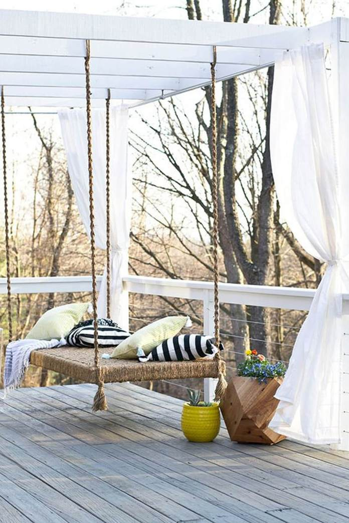 DIY Pergola Ideas: Charming Decktop Pergola Swing
