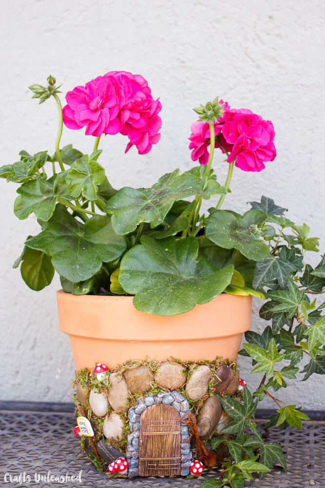 DIY Fairy Door Planter Project| fairy garden accessories | miniture fairy garden ideas inspiration | homemade fairy garden decorations