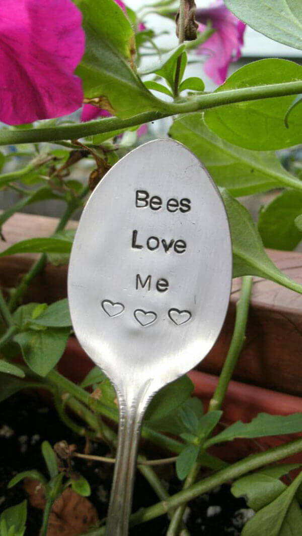 Adorable Sign on a Spoon | Funny DIY Garden Sign Ideas