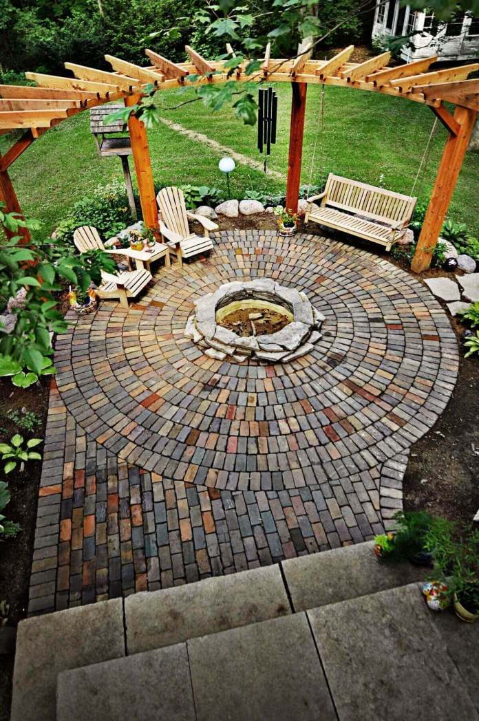 Swinging at the Edge of the Firepit | Awesome Firepit Area Ideas For Your Outdoor Activities