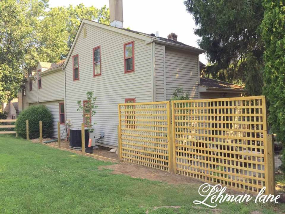 DIY Fence Ideas: Simple Wooden Latticework Panel Fence