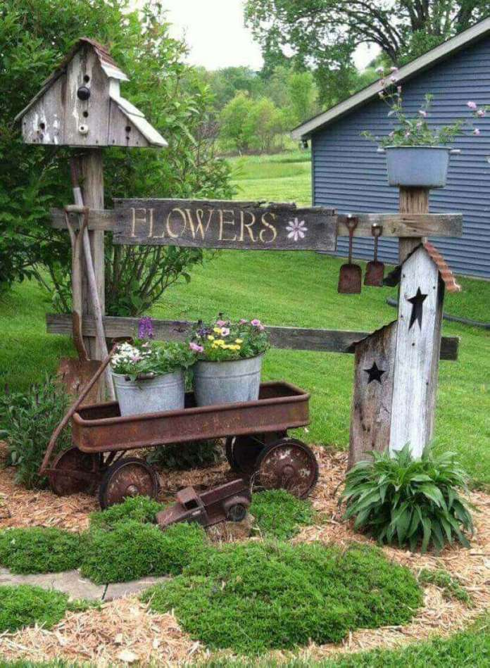 Garden Fence Section with a Birdhouse | Funny DIY Garden Sign Ideas