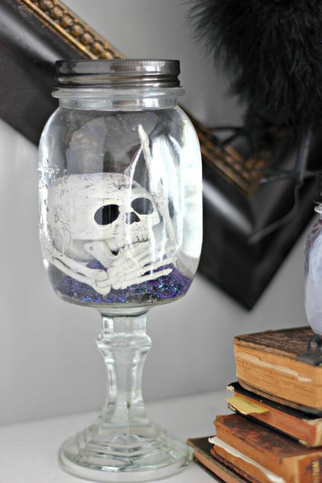 DIY Mason Jar Halloween Crafts: Creepy Skeleton-In-A-Jar Halloween Craft