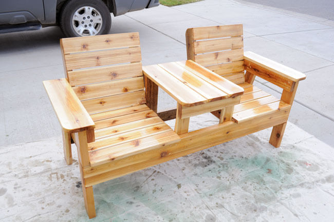 Outdoor DIY Bench Ideas: Cabin Style Double Chair Bench with Built-In Shared Table