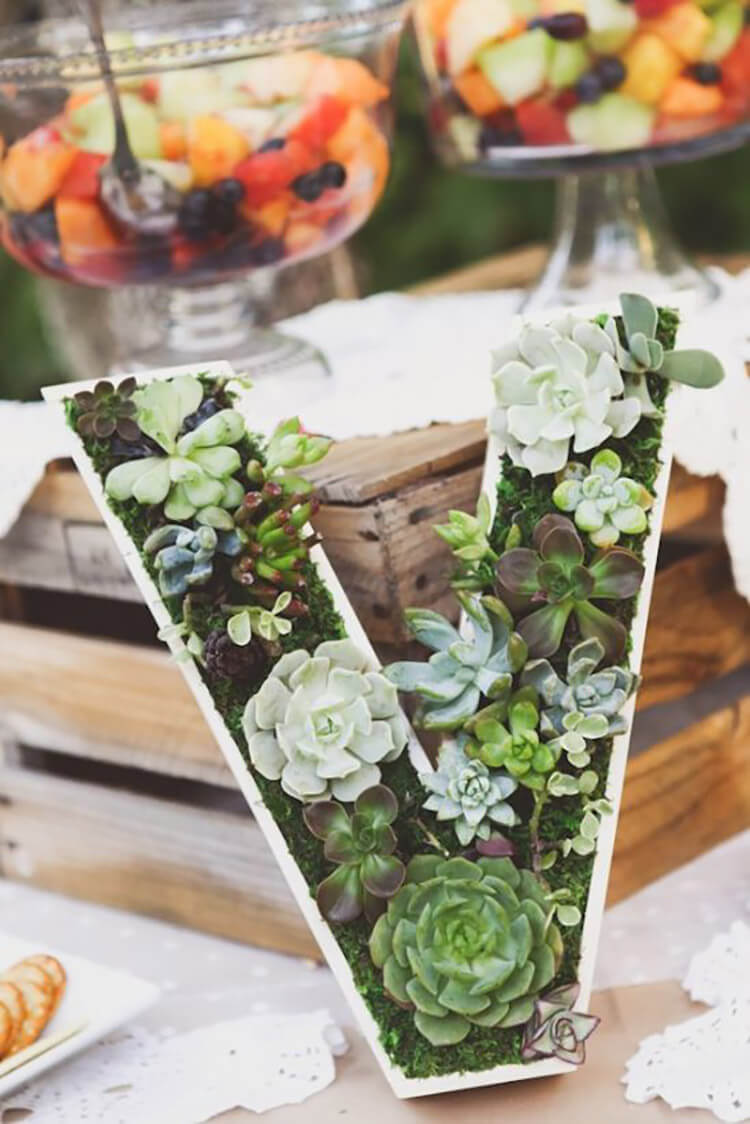 Vintage Garden Decor Ideas: Pretty Monogram Succulent Planter Decoration