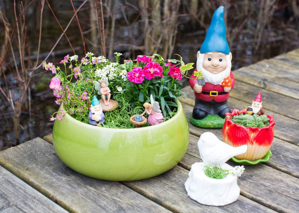 Midsummer Garden Party Planter | fairy garden accessories | miniture fairy garden ideas inspiration | homemade fairy garden decorations