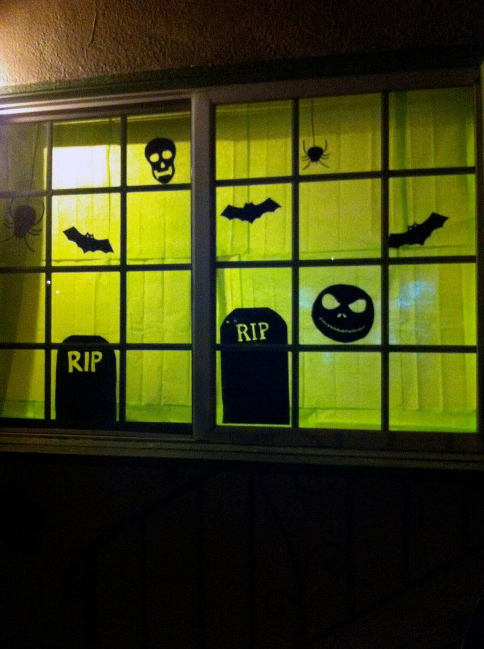 Creepy Cemetery at Night | DIY Halloween Window Decoration Ideas