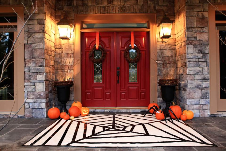 Halloween Door Decoration Ideas: Spider Rug