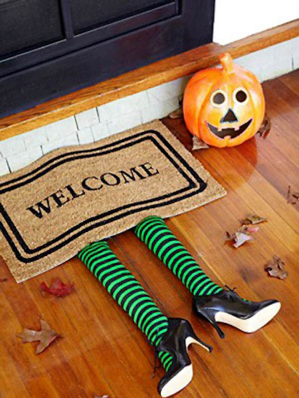 Halloween Front Door Decoration Ideas: The Witch's Welcome