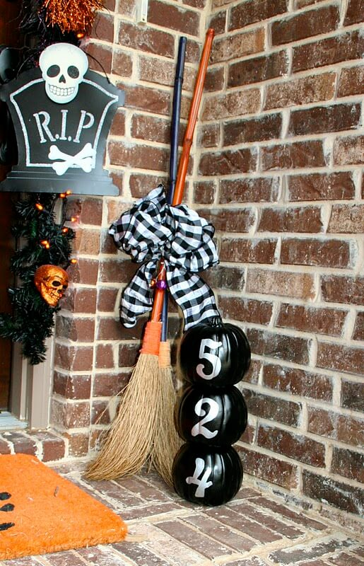 Fancy Witches Only Please   Scary DIY Halloween Porch Decoration Ideas   vintage halloween porch