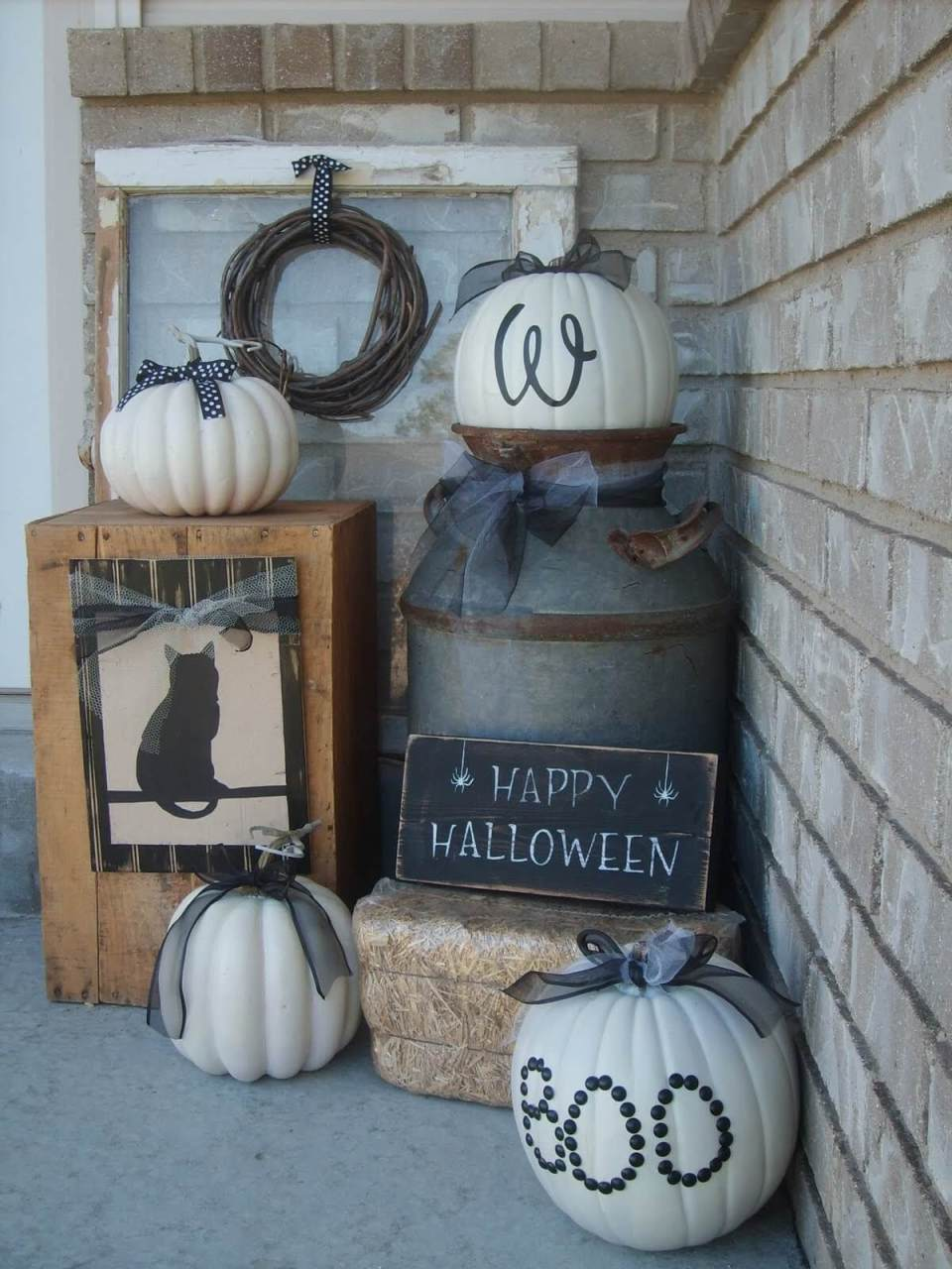 White Pumpkins, Uncanny or Creative? | Scary DIY Halloween Porch Decoration Ideas | vintage halloween porch