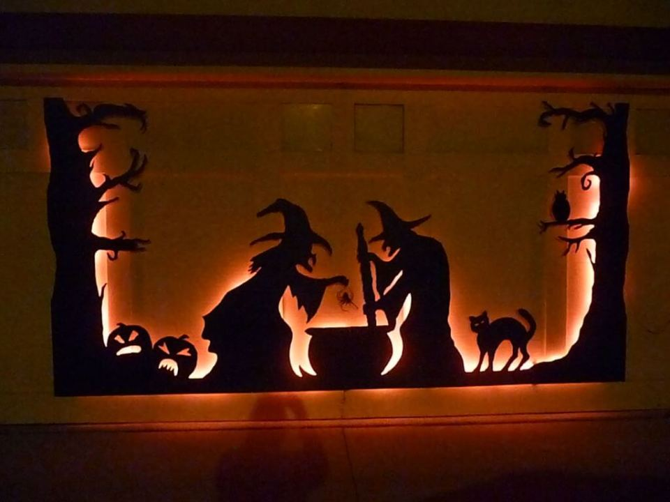 Halloween Door Decoration Ideas: Funky Witches Garage Door Décor