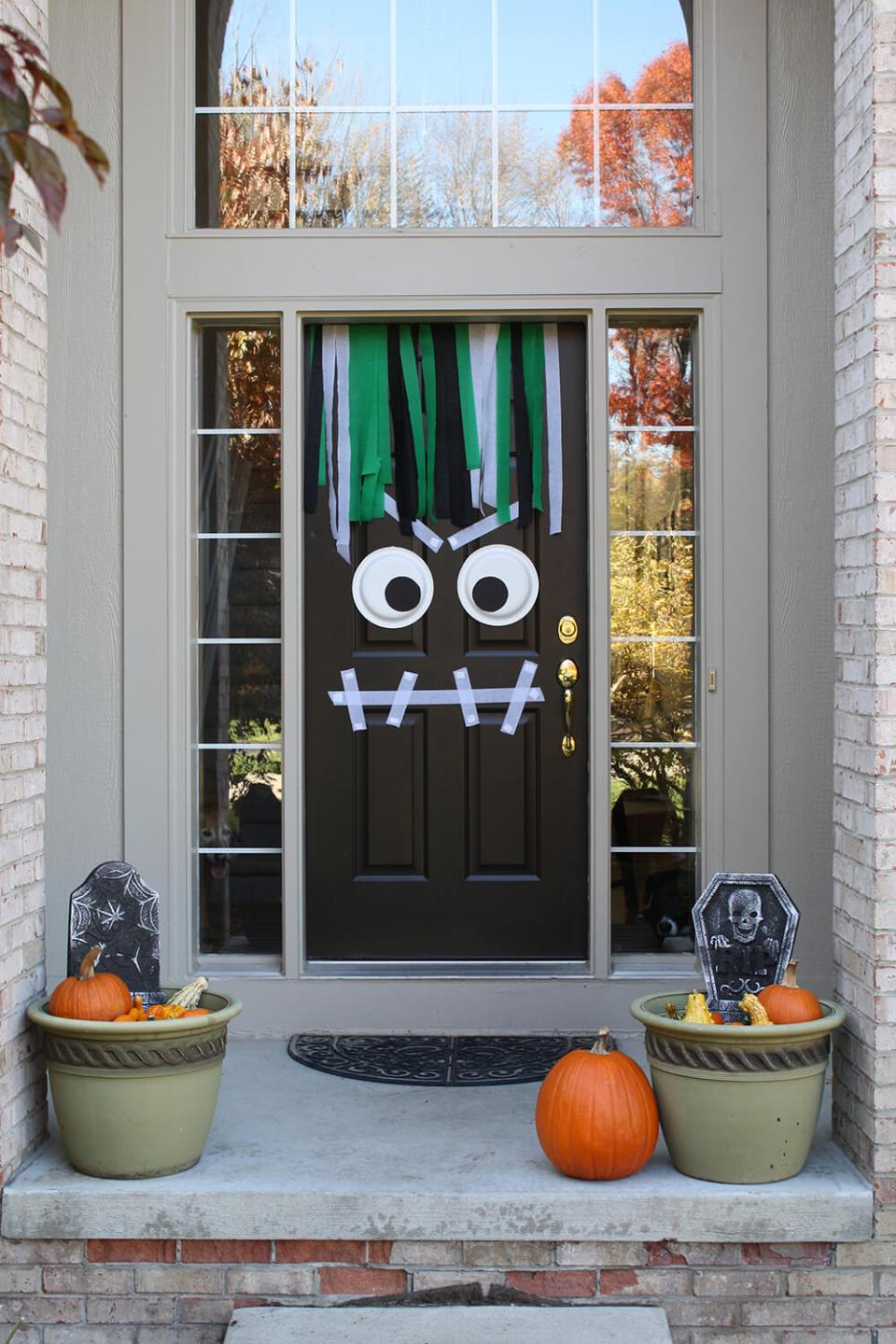 Halloween Door Decoration Ideas: Streamer Fun Halloween Door
