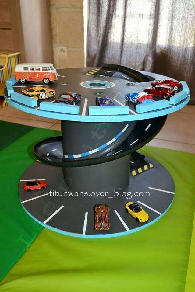 Garage for small cars | DIY Race Car Tracks for Kids - FarmFoodFamily