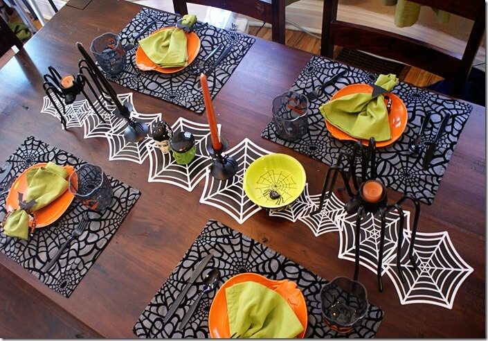 Halloween Table Settings | Fun & Spooky Halloween Table Decoration Ideas - FarmFoodFamily.com