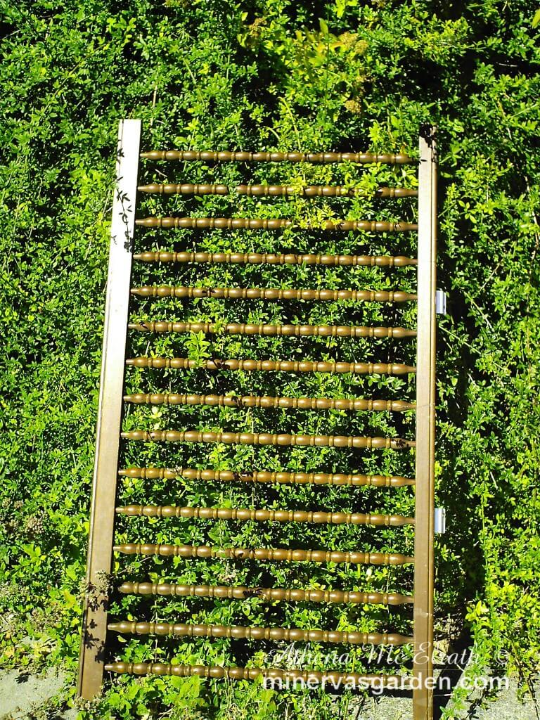 Crib Wall Trellis Idea | Up-cycled Trellis Ideas For Garden
