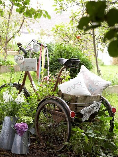 Brilliant Bicycle Decor | Bicycle Garden Planter Ideas For Backyards | FarmFoodFamily