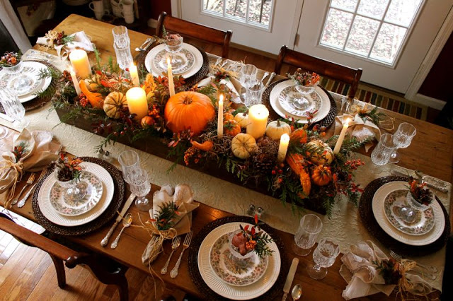 Long box centerpiece | Best DIY Fall Centerpiece Ideas | FarmFoodFamily.com
