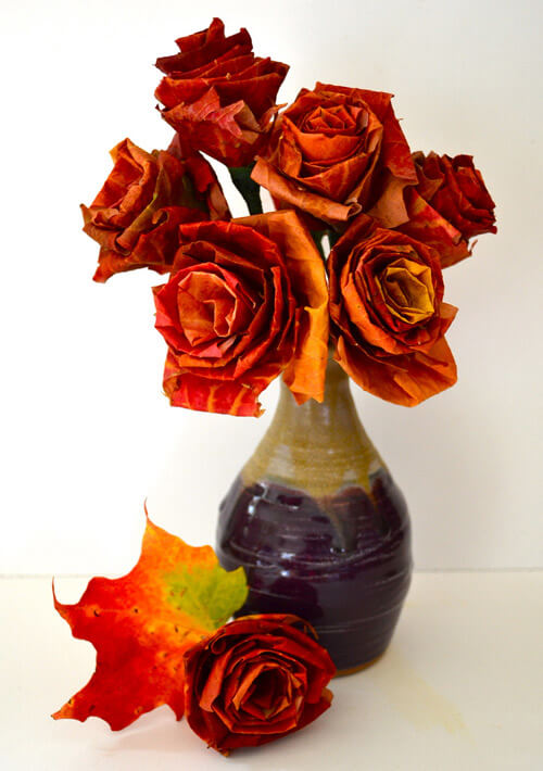 Autumn leaf bouquet | DIY Fall-Inspired Home Decorations With Leaves - FarmFoodFamily
