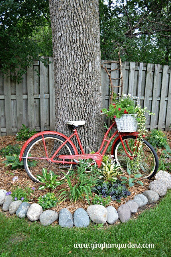 Vintage Bicycle | Bicycle Garden Planter Ideas For Backyards | FarmFoodFamily
