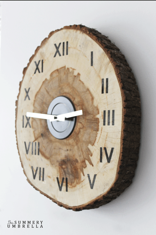 DIY Wood Slice Clock | DIY Wood Tree Log Decor Ideas - FarmFoodFamily.com