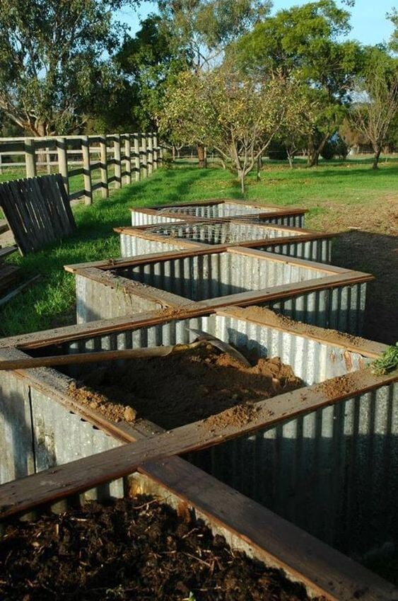 Raised Garden Beds | How to Build a Raised Vegetable Garden Bed | 39+ Simple & Cheap Raised Vegetable Garden Bed Ideas - farmfoodfamily.com